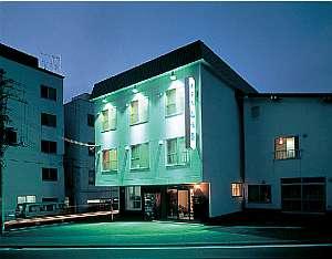 山菜料理とペット同室可能な源泉100%のこぢんまりとした温泉旅館