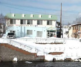釧路川のせせらぎと肌に優しい温泉の宿。写真撮影スポット近に有り