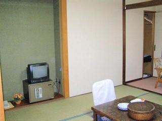 静かで落ち着きのある和室
