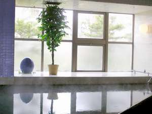 腰痛や神経痛、リウマチ等にも効果がある「摩周温泉」大浴場