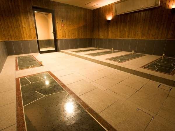 男女それぞれ岩盤浴を無料で利用可能