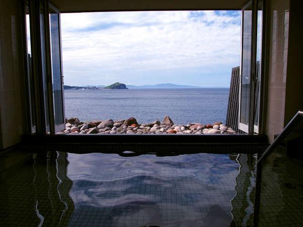 眺めの良いオーシャンビューの大浴場