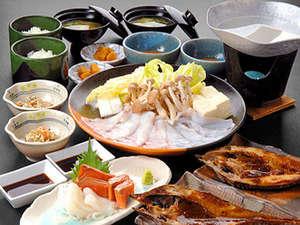 稚内名物のたこしゃぶ、八角の味噌焼きや新鮮なお刺身などを楽しめる夕食