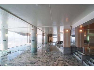 翡翠(ひすい)を大浴場の約7割に使用した1階翡翠風呂