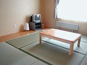 畳でゆったりと寛ぐことができる和室