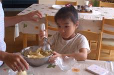 アイスクリーム作りやバター作りなどファームインならではの体験